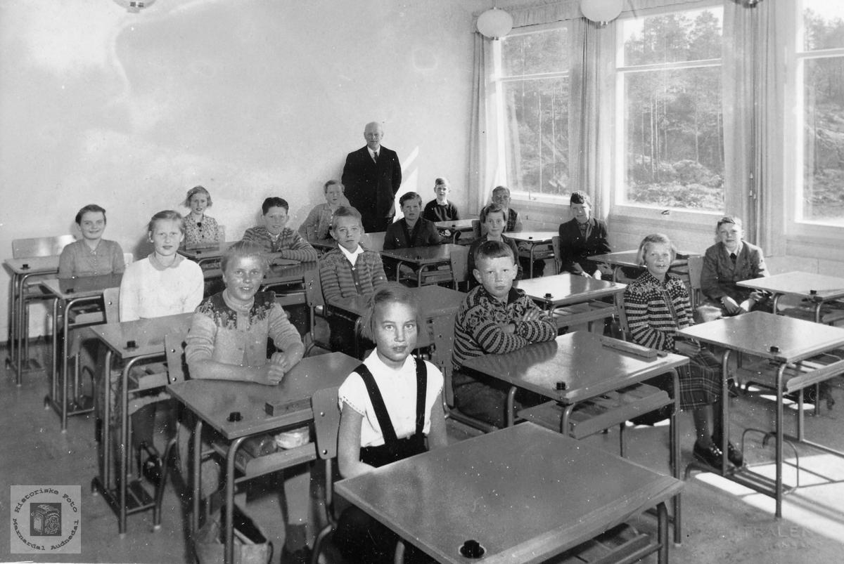 Skoleklasse på Byremo.