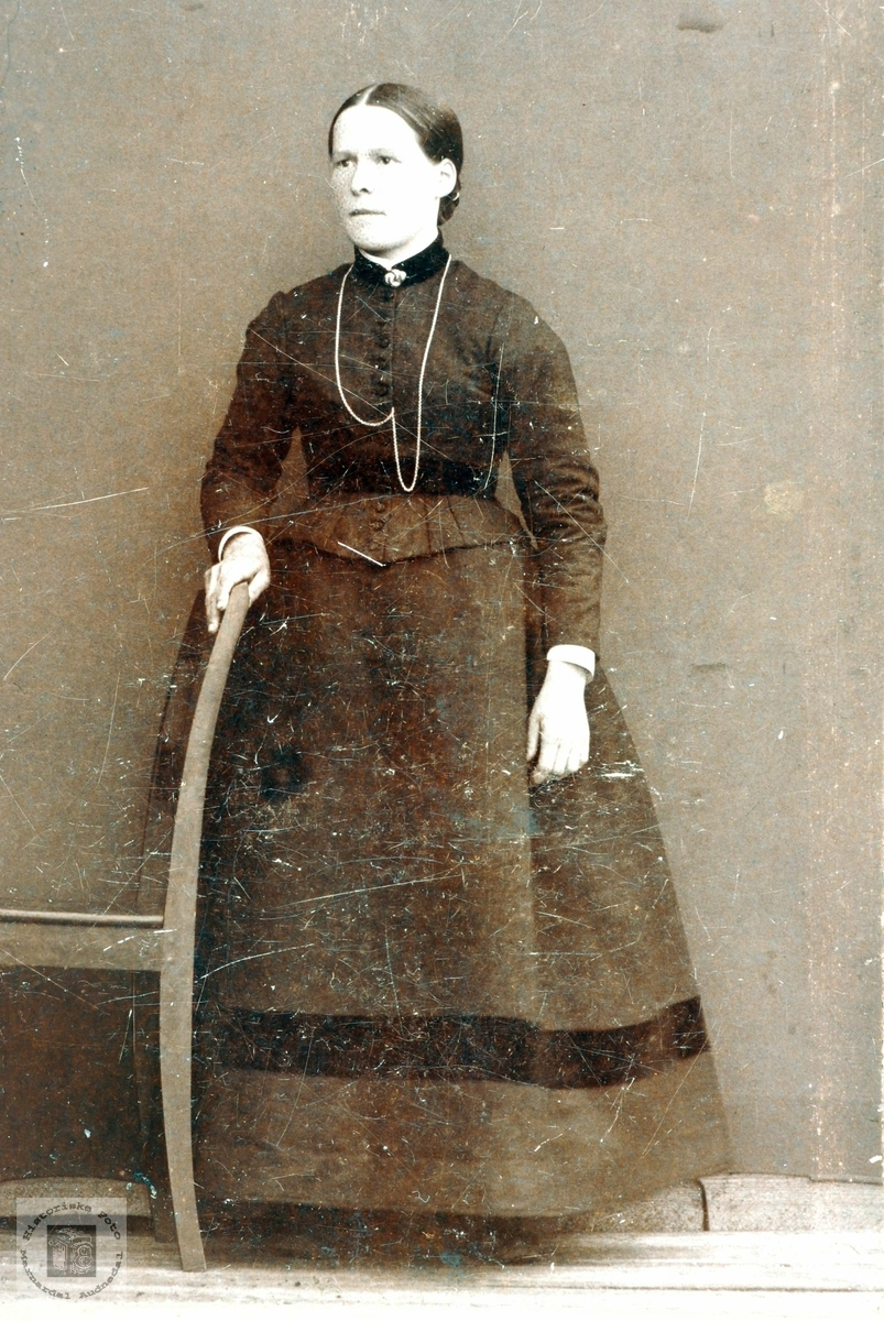Portrett av Tobine Sørensdatter Holte gift Flottorp. Mandal Grindheim Audnedal.