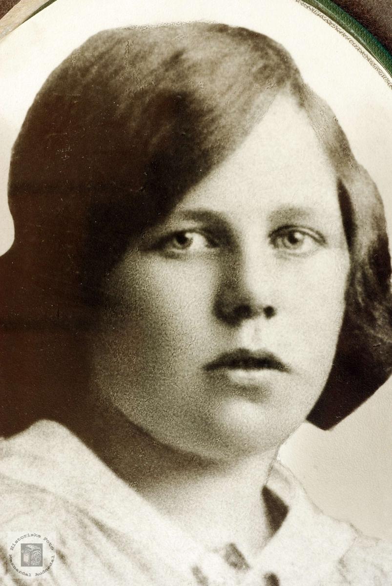 Portrett av Mari Refsnes. Grindheim Audnedal.