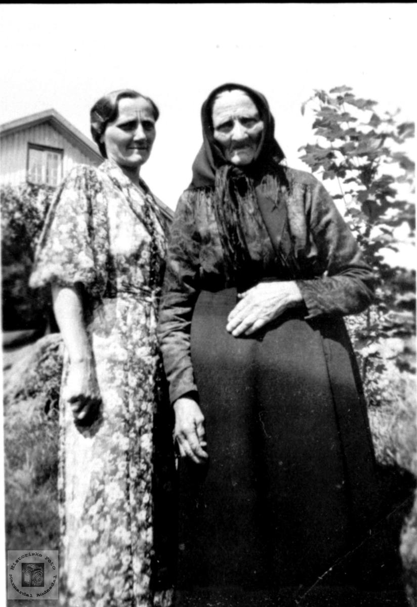 Mor og datter. Astrid Mjåland og Rakel K. Mjåland.