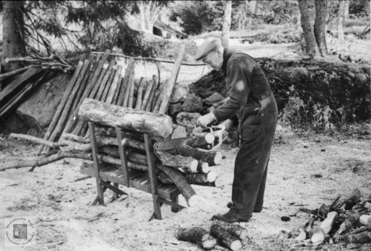 Vedsaging. Otto Birkeland, Laudal.