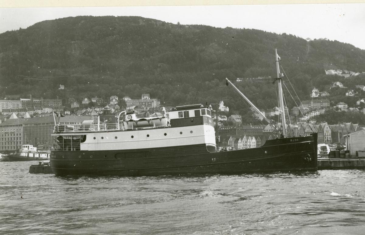 M/S 'Bjoa' (Ex. Lønningdal II)(b.1932, Skaalurens Skibsbyggeri, Rosendal), - i Bergen.
