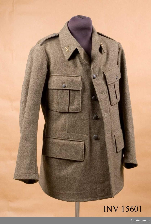 Grupp C. Uniform för Servismanskap nr 6, tillhörande granatkastarförband vid infanteriet.