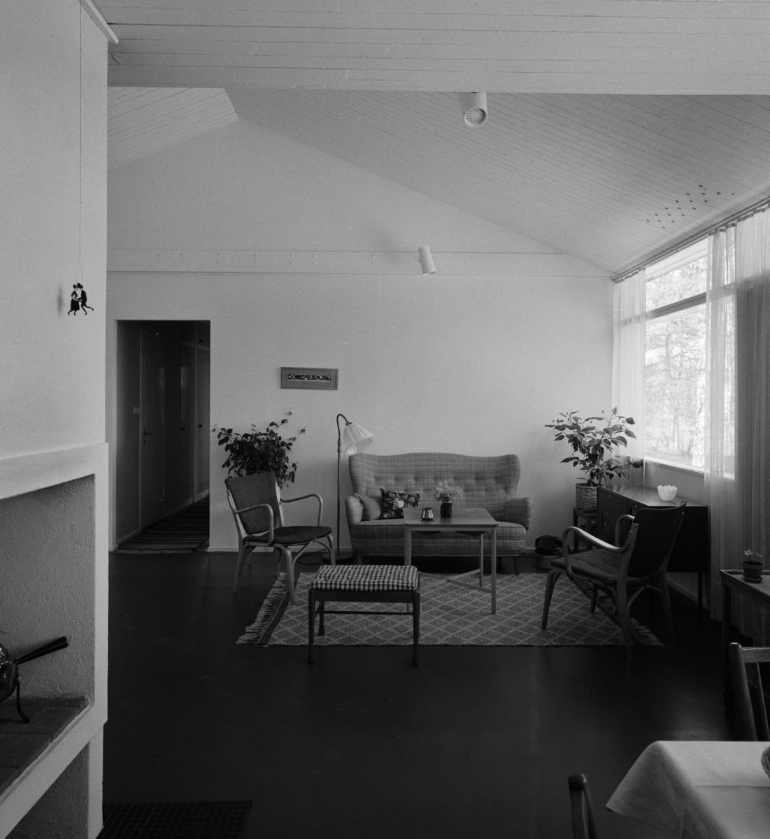 villa Trygg Interiör, vardagsrum med fönstervägg åt öster