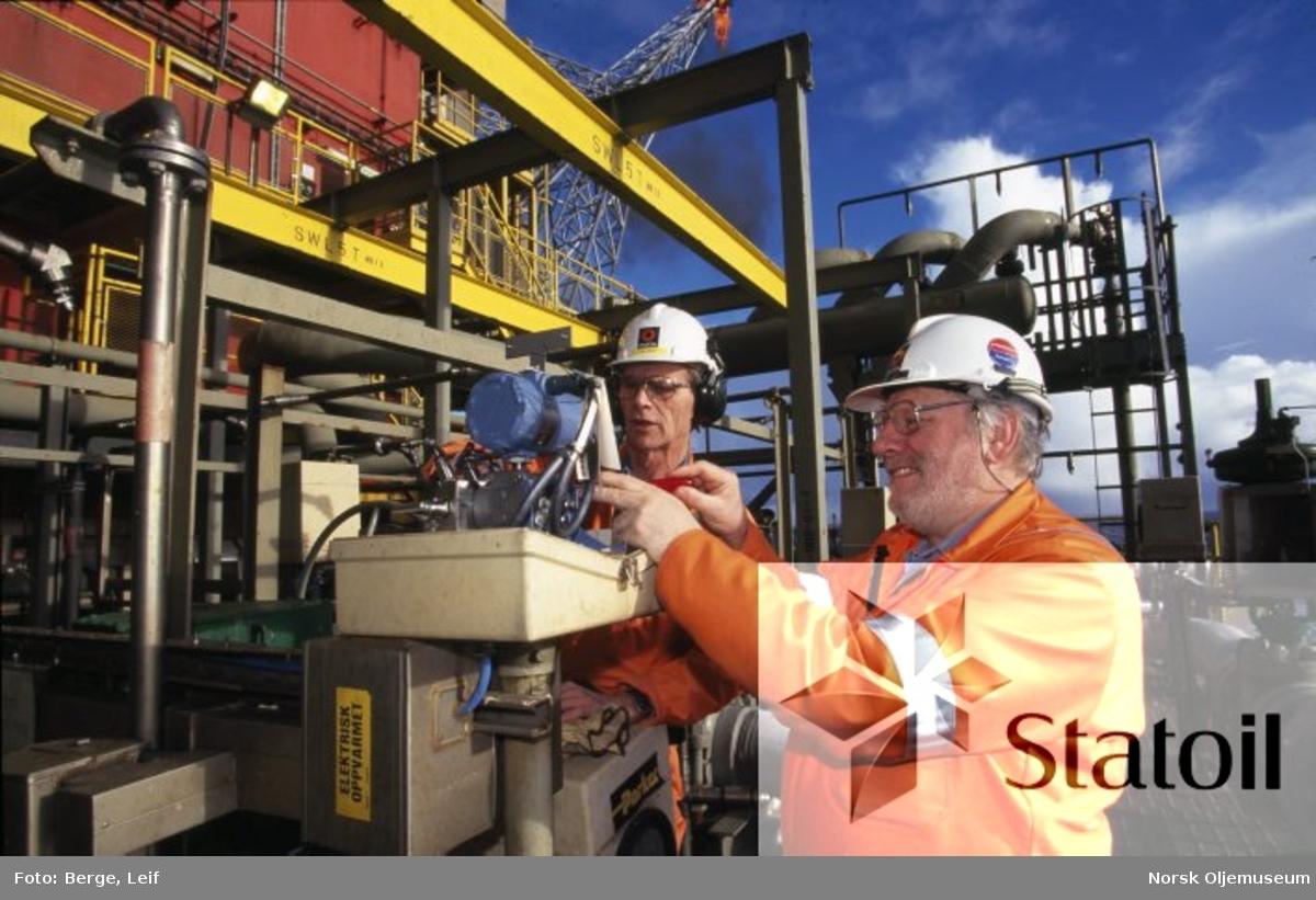 Instrumentsjekk på Statfjord A - Jan Vevle i aksjon.
