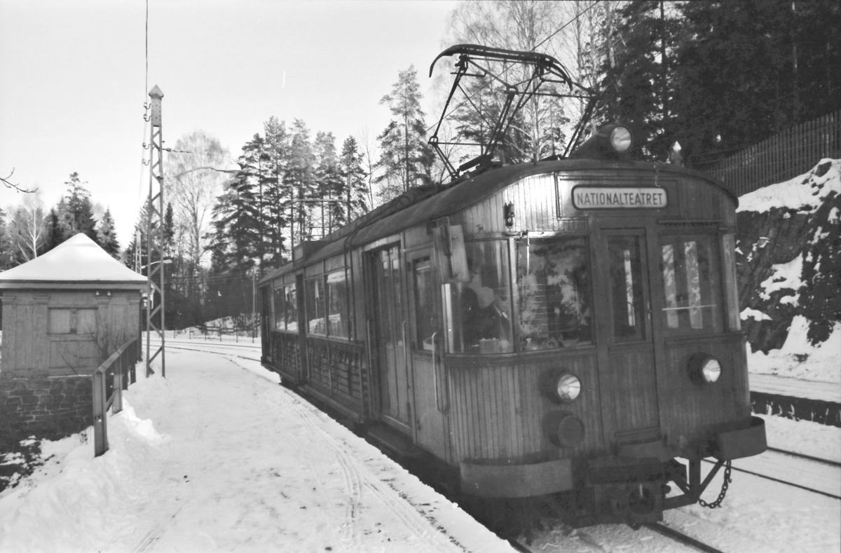 A/S Holmenkolbanen. Holmenkollbanen. Vogn 602, type 1951 (NEBB, Skabo).