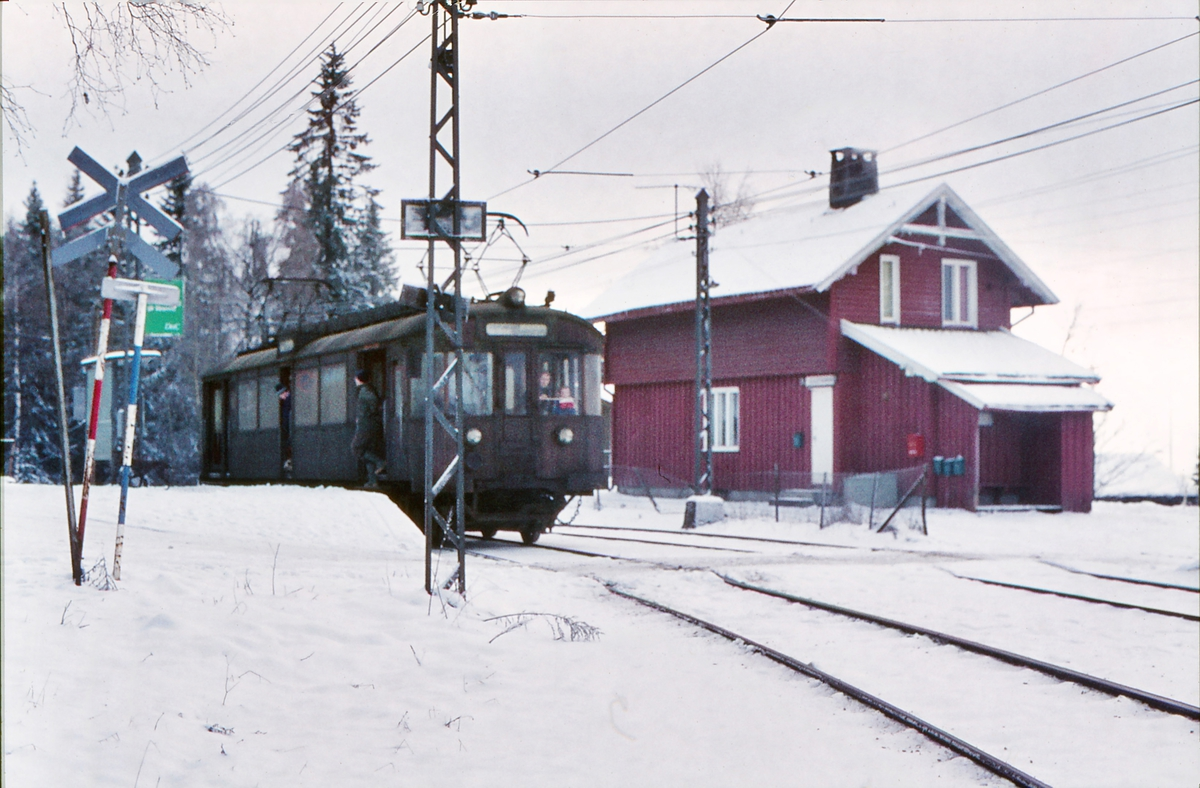 A/S Holmenkolbanen. Oslo Sporveier. Tryvannsbanen. Vogn av type 1951 (601-608).
