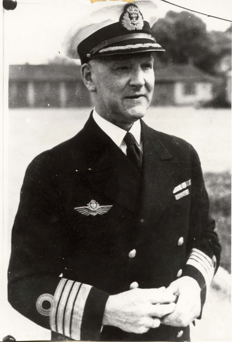 Motiv: Kommandør Finn Lützow-Holm.