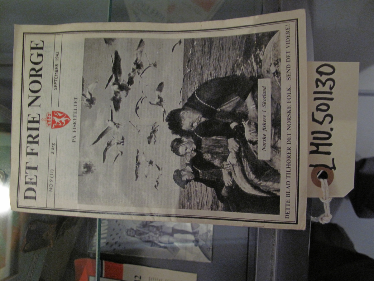 Hefte - Det Frie Norge nr 9 (11) 2. årgang september 1942. Tittelsiden har fokus på norske fiskere i Skottland.