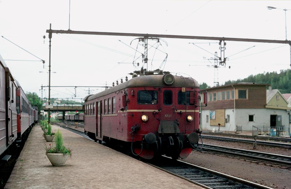 NSB lokaltog til Bjørnfjell i Narvik. Motorvogn BM 67 07.