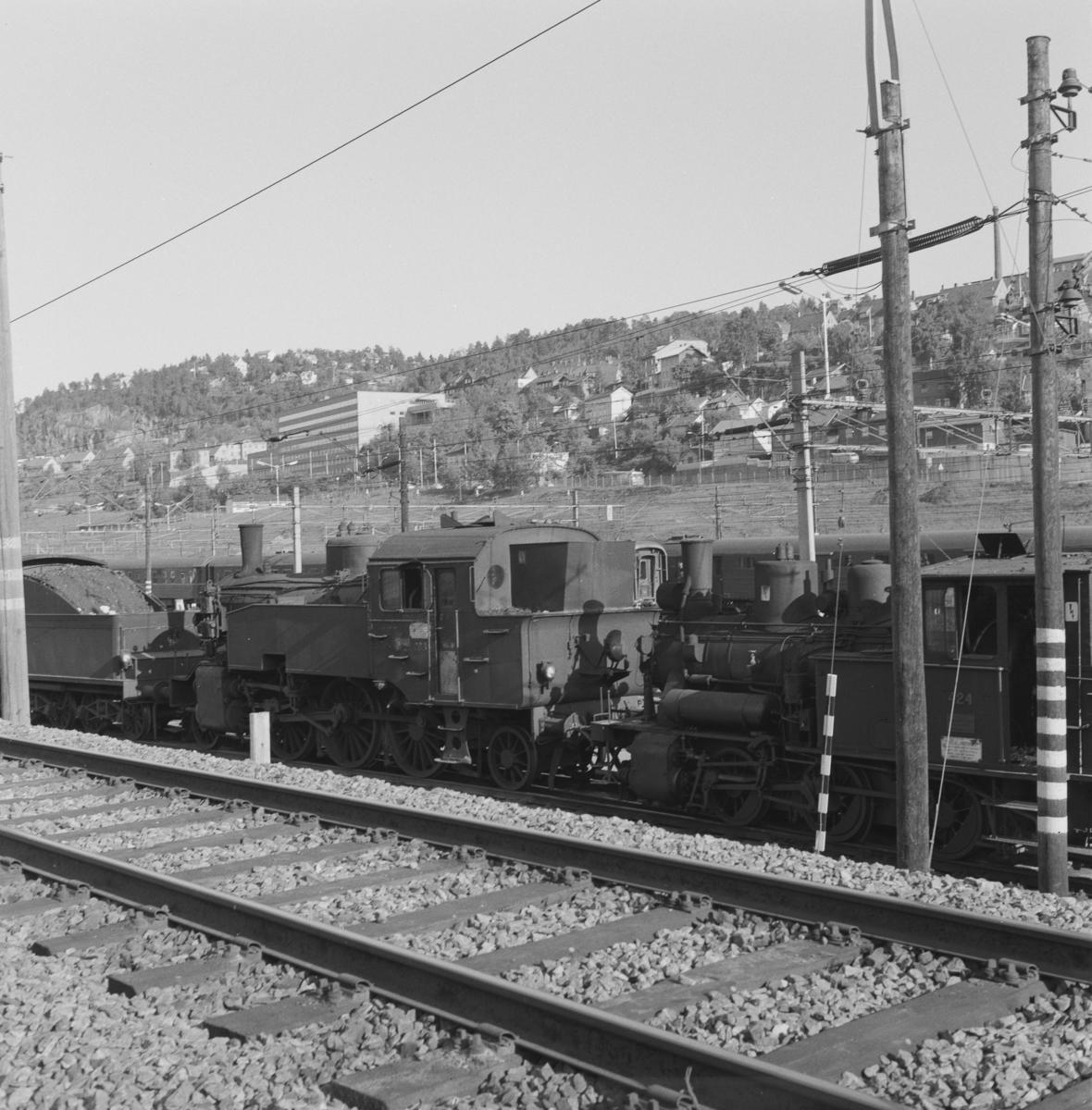 Utrangerte damplokomotiver hensatt i Lodalen i Oslo.