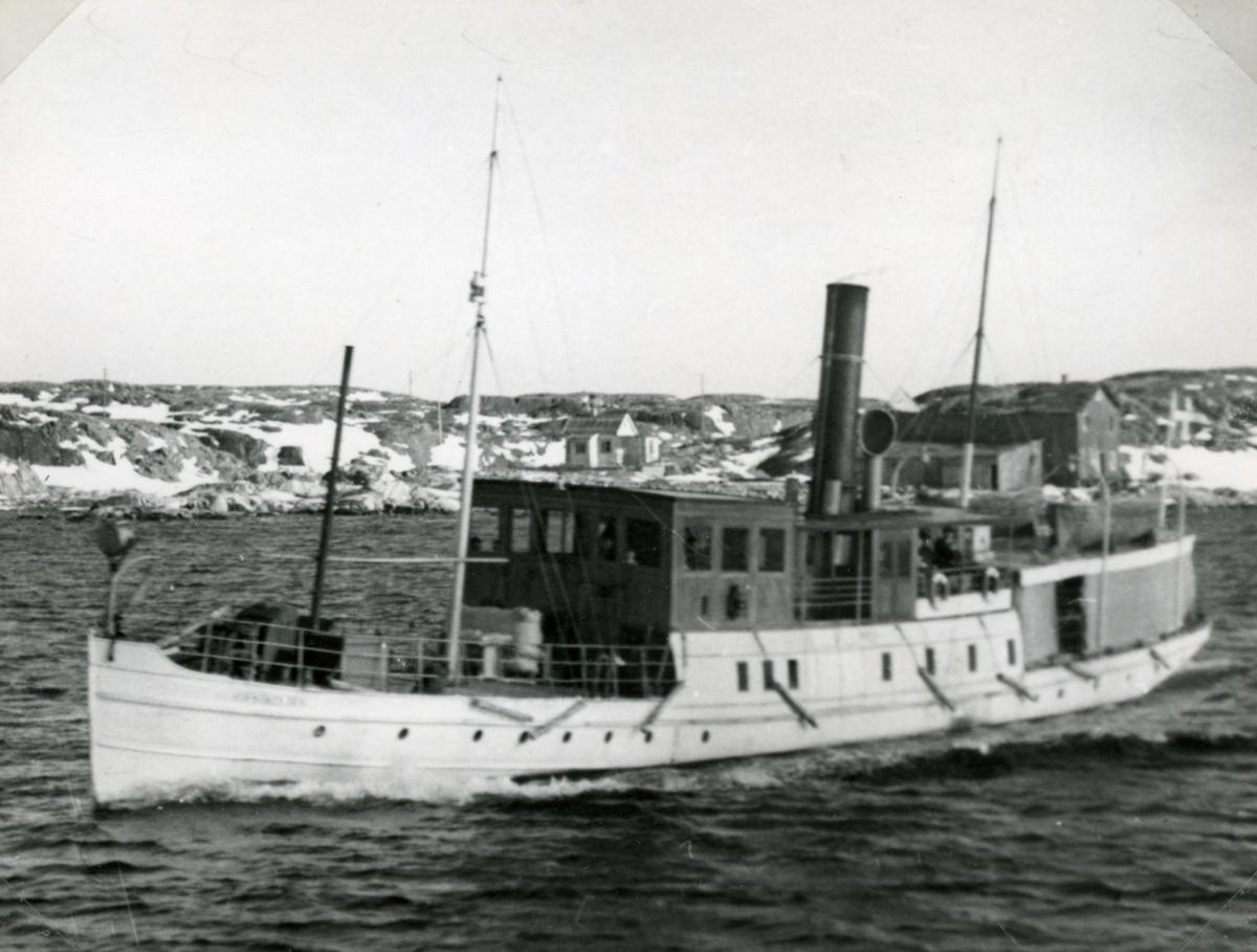 Fototillfälle; vid Kalvsund 24/3 1951.