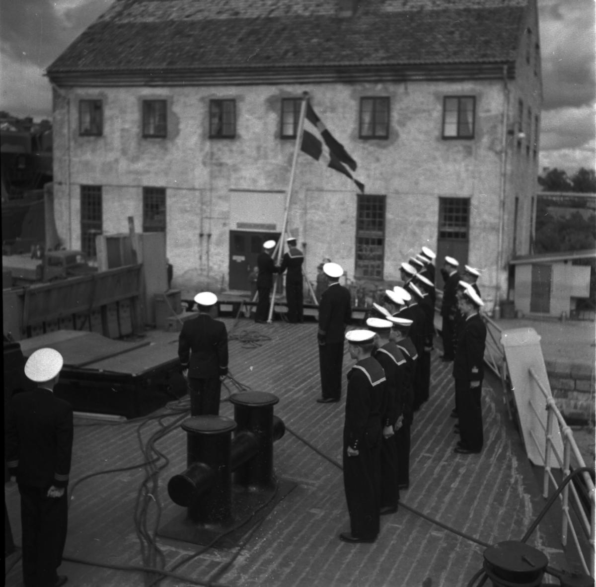 Fartyg: THULE                           Övrigt: Isbrytaren Thule, påmönstringen