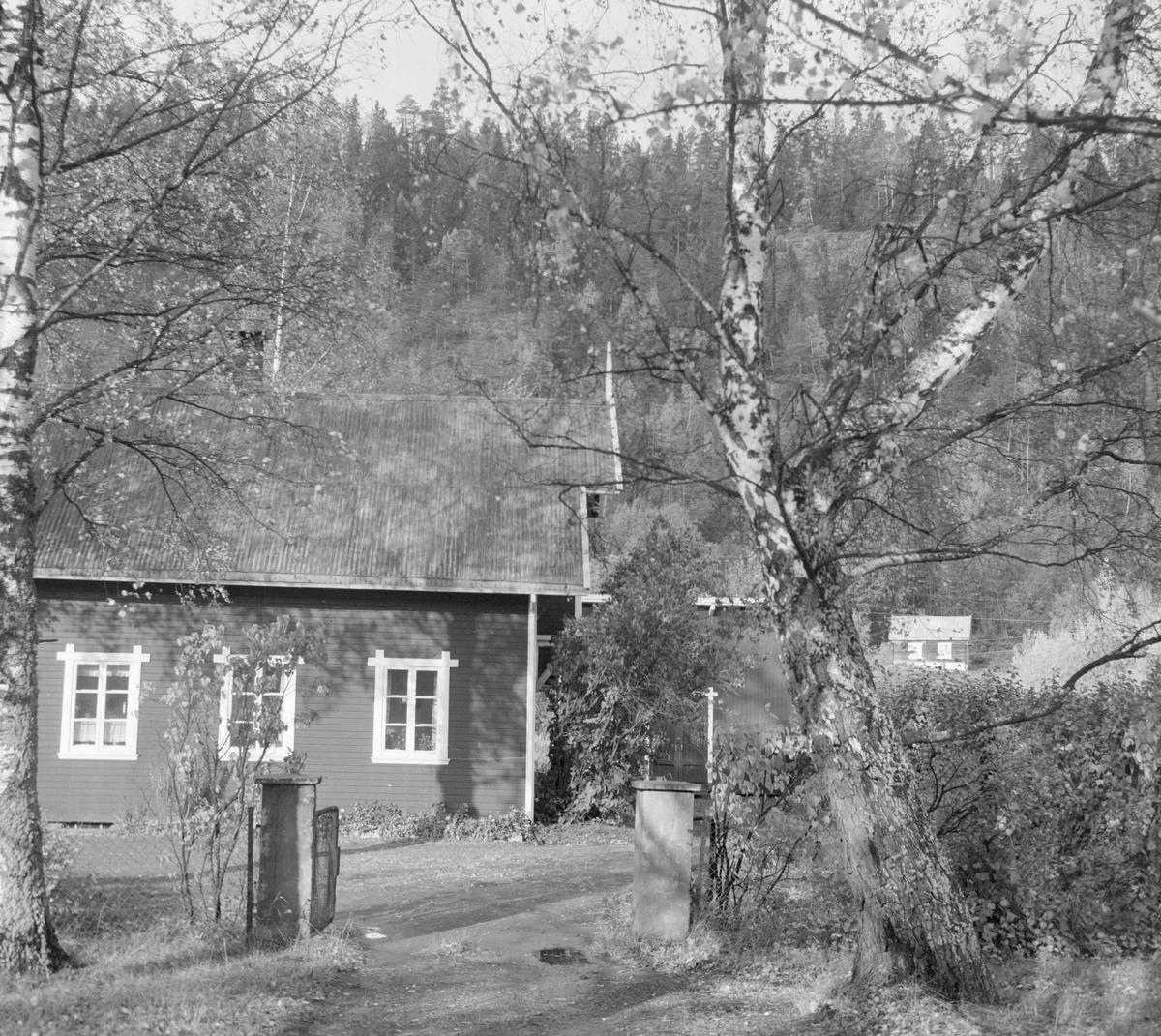 Svangstrand stasjon på nedlagte Lierbanen.