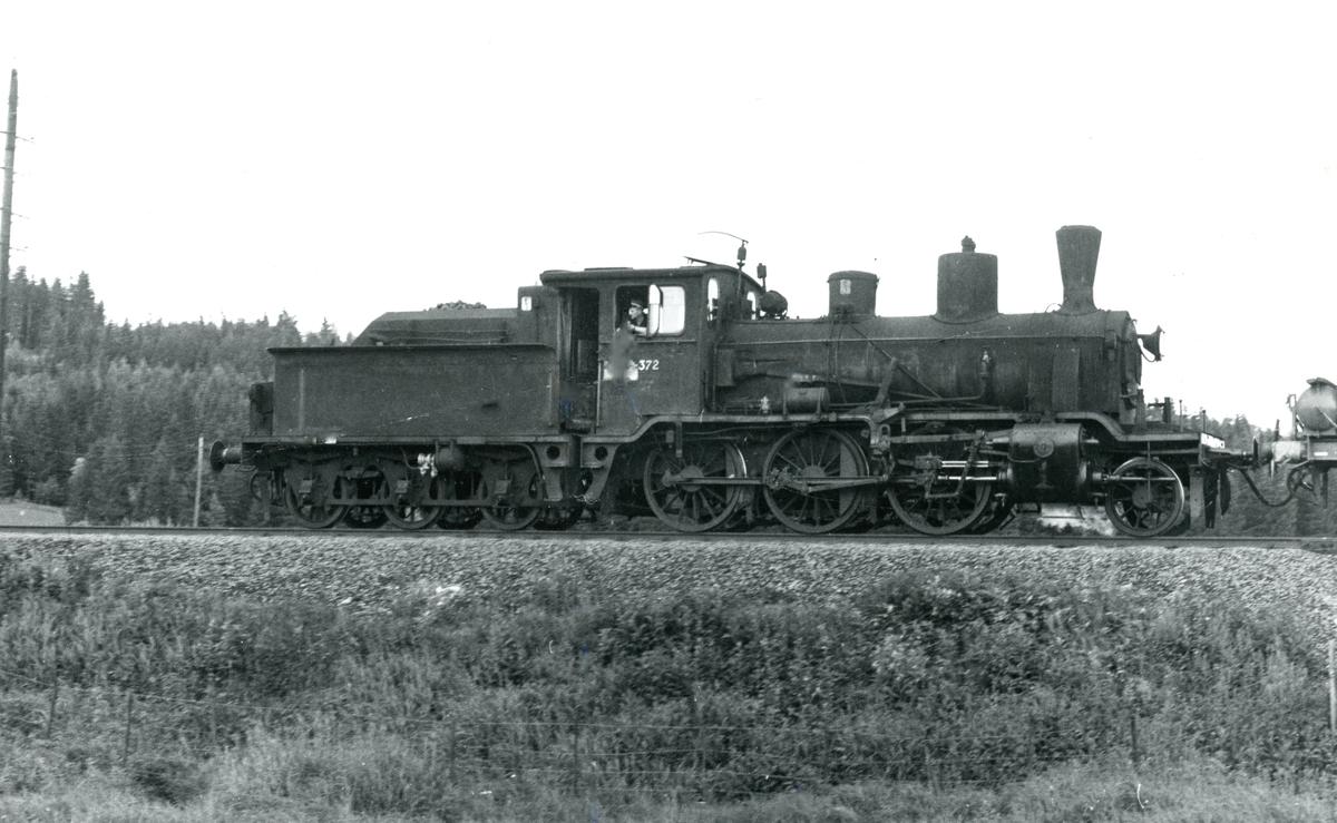 Damplok 21b 372 i grustog på Solørbanen.