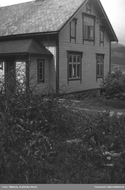 Huset til Kathinka Mikkolas søster, Astrid Kornberg, i Møre og Romsdal. Samme hus som på bildene 05007-231 og 05007-485