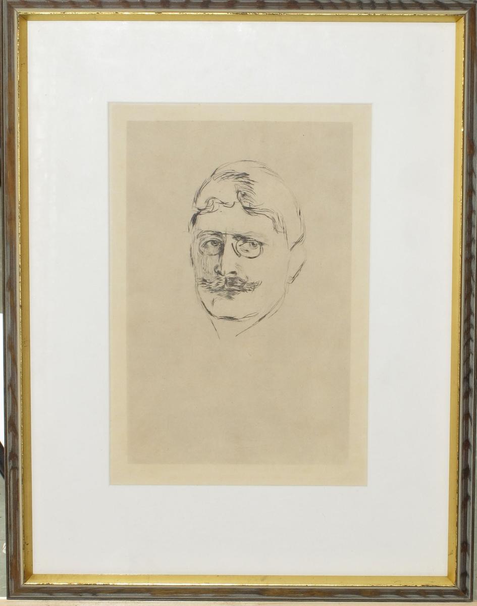 Portrett av Knut Hamsun m. lorgnett  og mustasjer.