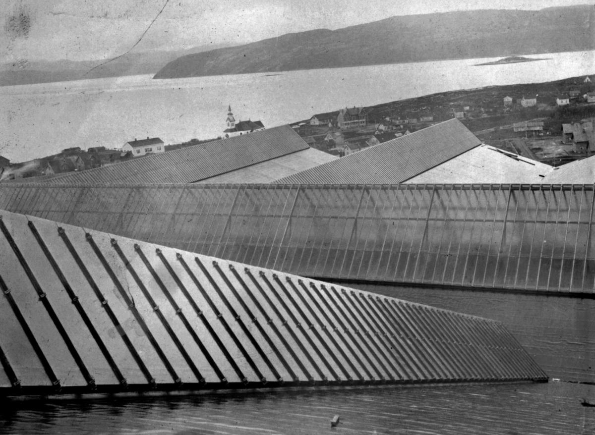 Fra taket av Anrikingsverket - kirken i bakgrunnen. 10/9 1910.