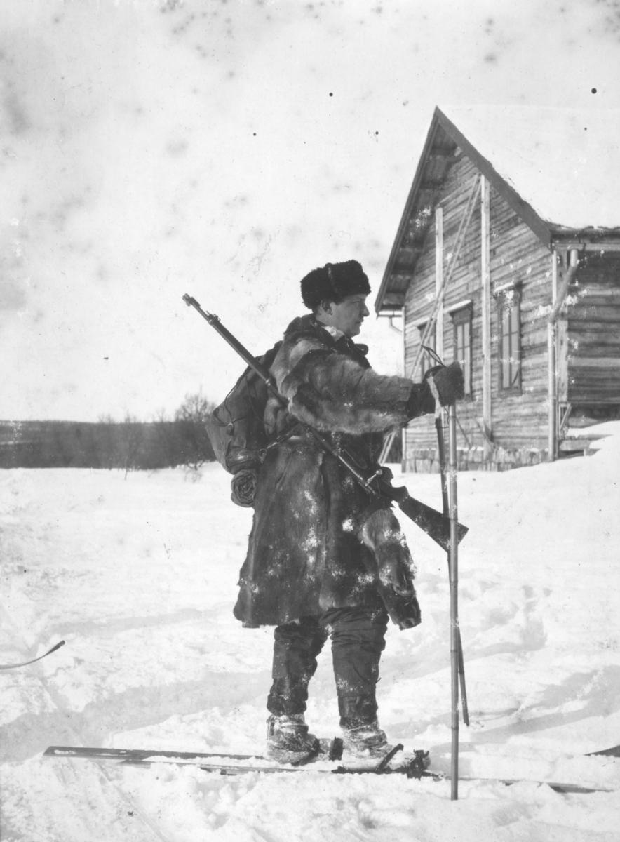 """""""Vinterøvelse Nyborg. Ernst J.Lebesby."""""""