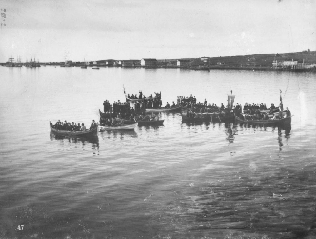 """""""Paa Vadsø havn kl. 2 morgen."""""""
