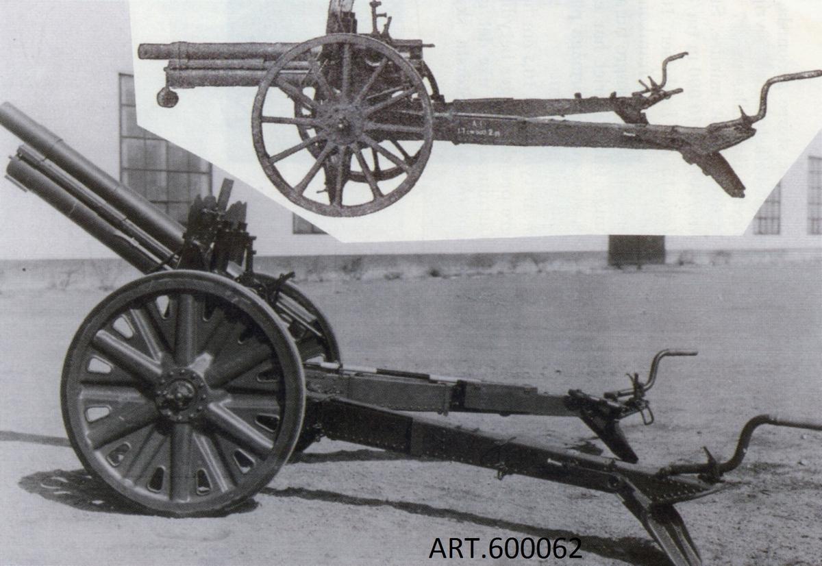 """Under 30-talet saknades medel för att modernisera det relativt omoderna artilleriet. Olika åtgärder vidtogs som Carellihjul för att kunna dra de gamla """"hästpjäserna"""" vars hjullager gick varma om de drogs för fort.. Se mer om Carelli  för 15 cm positionshaubits m/06.  Under 20-talet hade Bofors lanserat flera nya artilleripjäser med V-lavetter (två lavettben att vinkla ut) som innebar att ett stort område i sida snabbt kunde täckas utan lyft av lavetten. Pengar saknades och beställningarna på Bofors var fåtaliga. Ett beslut togs, efter flera års försök, att till totalt 108 gamla 7,5 cm kanon m/02 köpa V-lavetter vilket blev """"m/02-33"""". De första 60 gjordes först med trähjul för att dras efter hästar men ändrades, i likhet med den andra halvan av beställningen till metallhjul och då kunde de alla dras efter fordon. Fanns i fältförband 1935- 1950.   VIKT1 440kg SKOTTVIDD/AMMax elevation 42 grader, tabell till ca 10 km"""