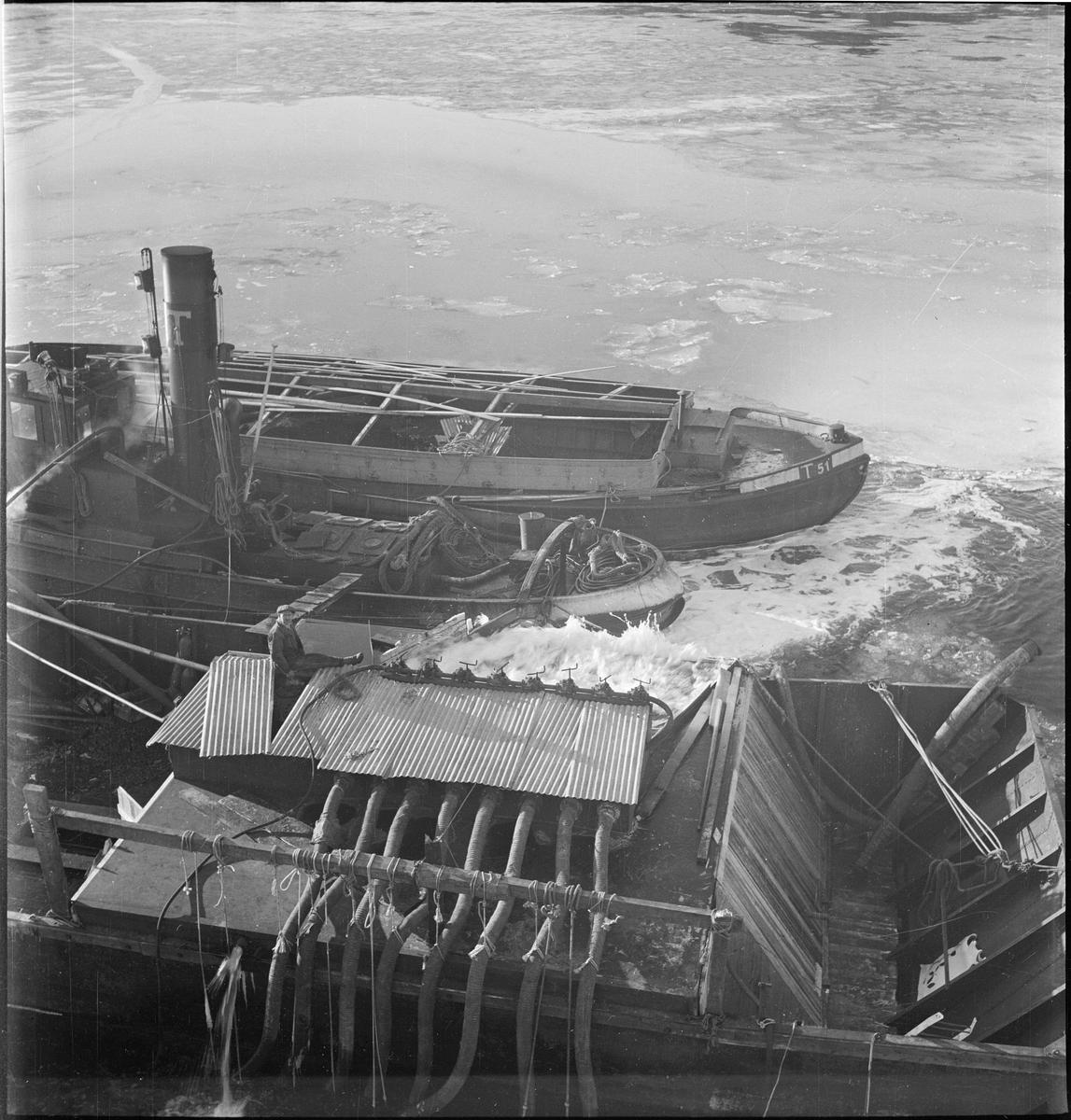 Heving av et dampskip i skjærgården utenfor Egersund.