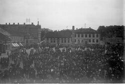 Kungajubileet vid Stora torget år 1897 med Nelsonska huset o