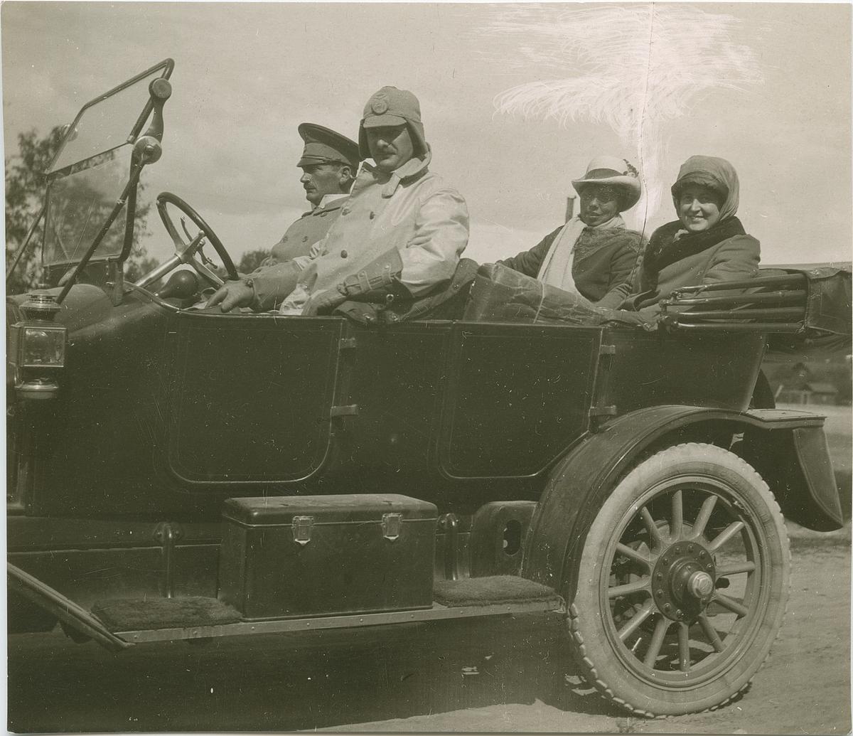 Fotografi från John Neréns motorhistoriska samling.