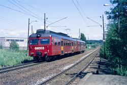 Elektrisk motorvognsett type 69 med lokaltog til Skøyen på H