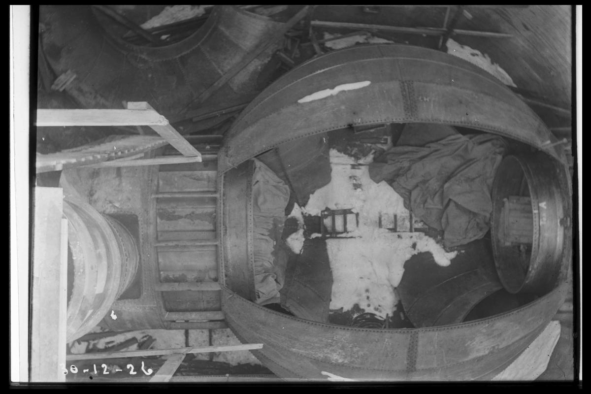 Arendal Fossekompani i begynnelsen av 1900-tallet CD merket 0468, Bilde: 3 Sted: Flaten Beskrivelse: Platetromme under montasje