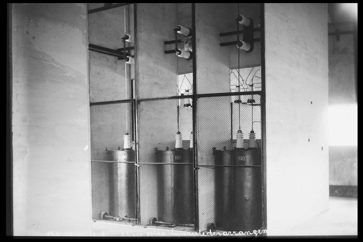 Arendal Fossekompani i begynnelsen av 1900-tallet CD merket 0469, Bilde: 59 Sted: Bøylefoss Beskrivelse: Overspenningsvern