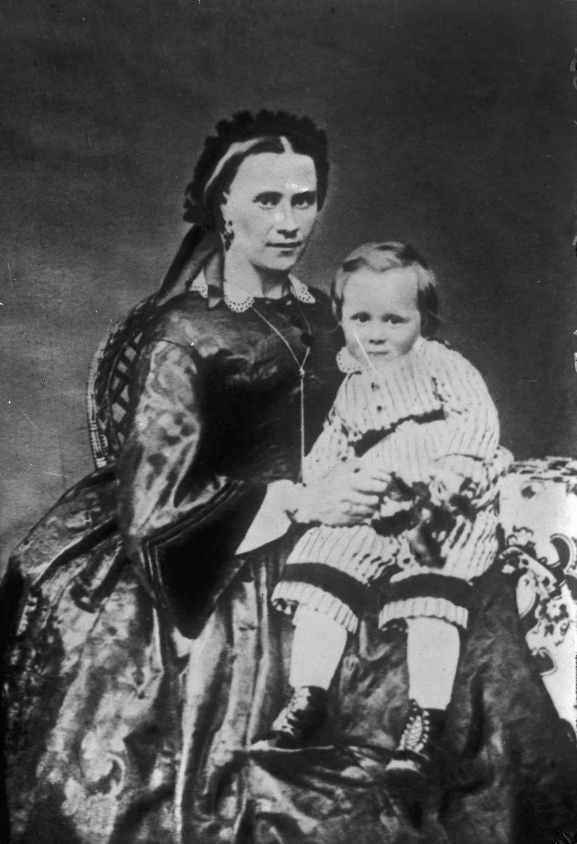 Kvinne og barn.