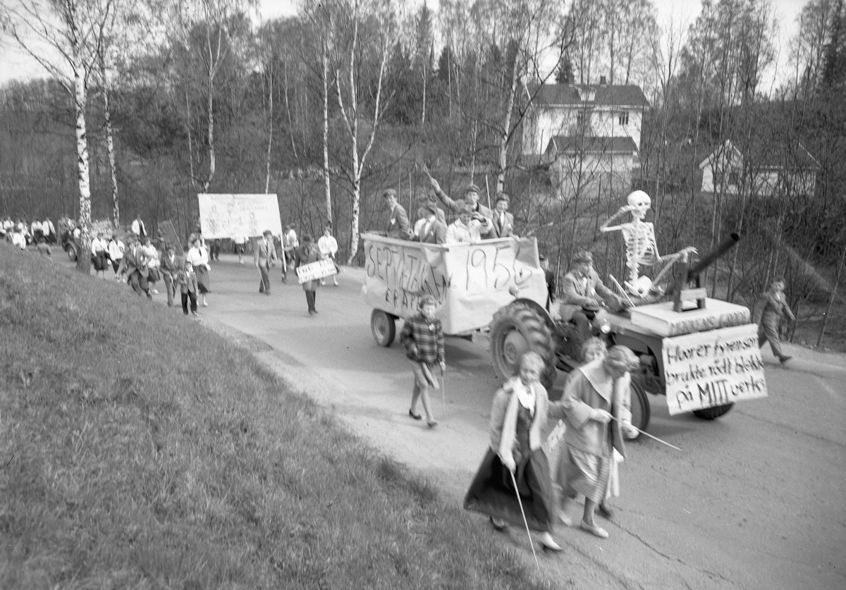 Russetog i Eggerskjæringa, 1956.