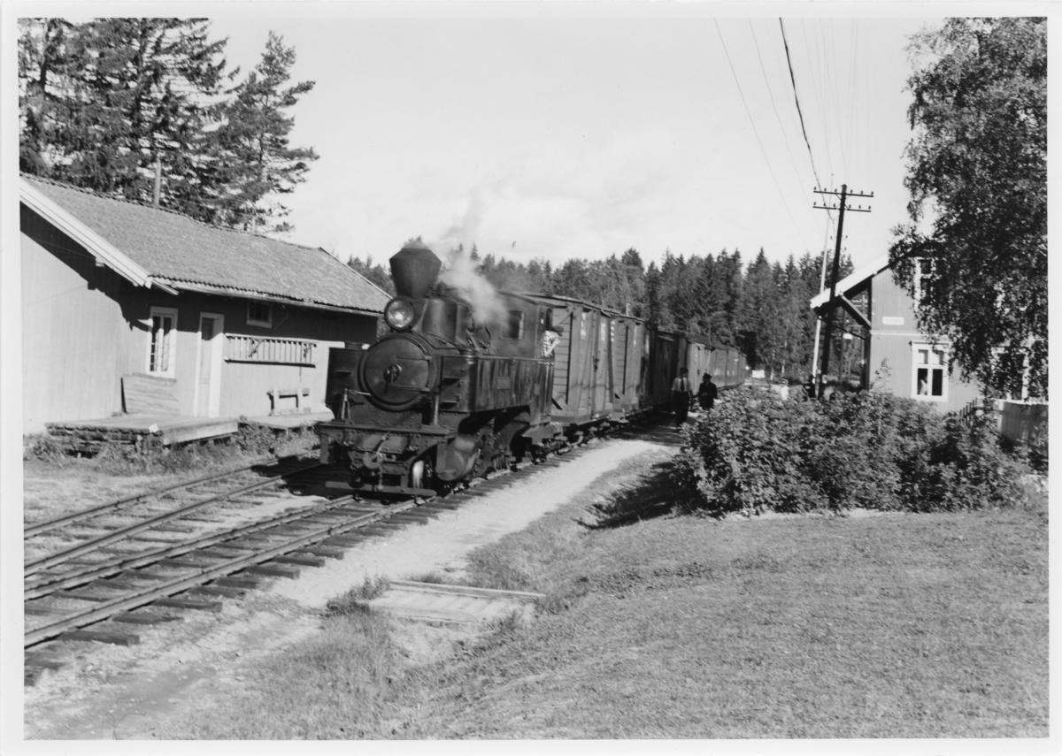 Lok 4 Setskogen med tog retning Skulerud.