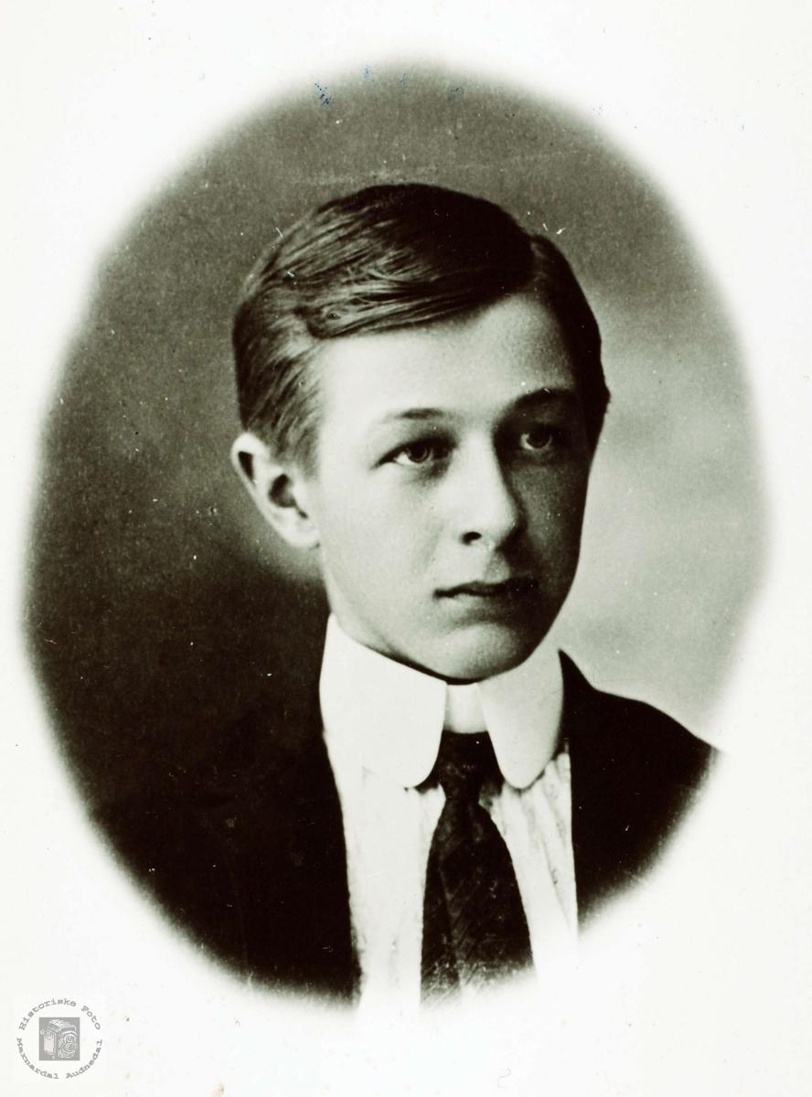 Portrett av John Øydna 16 år. Grindheim.