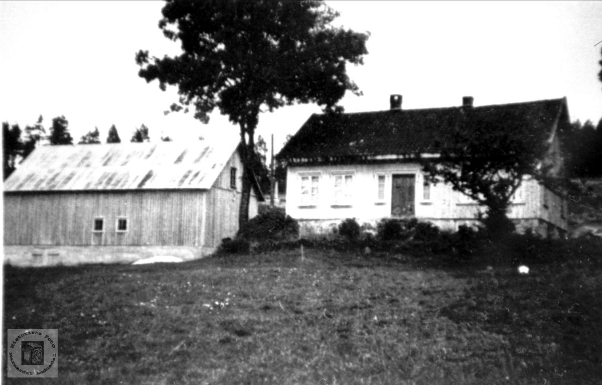 """""""Der vest"""" på Sundbø i Bjelland."""
