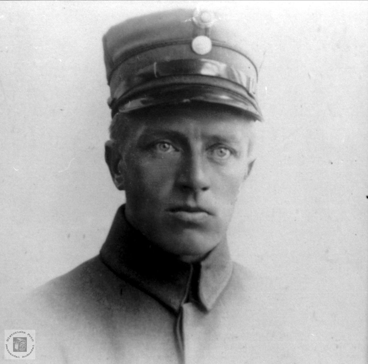 Portrett av Torkel Laudal, Laudal.
