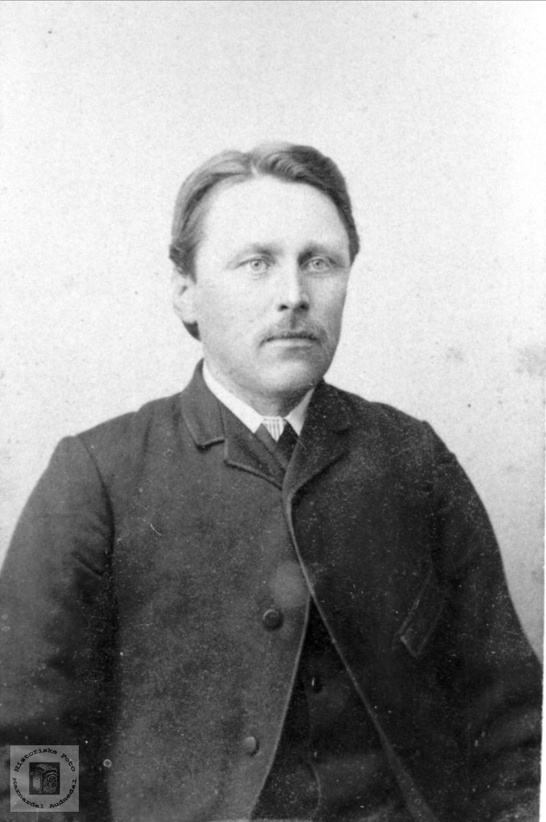 Portrett Olav Pederson Manneråk, Øyslebø.