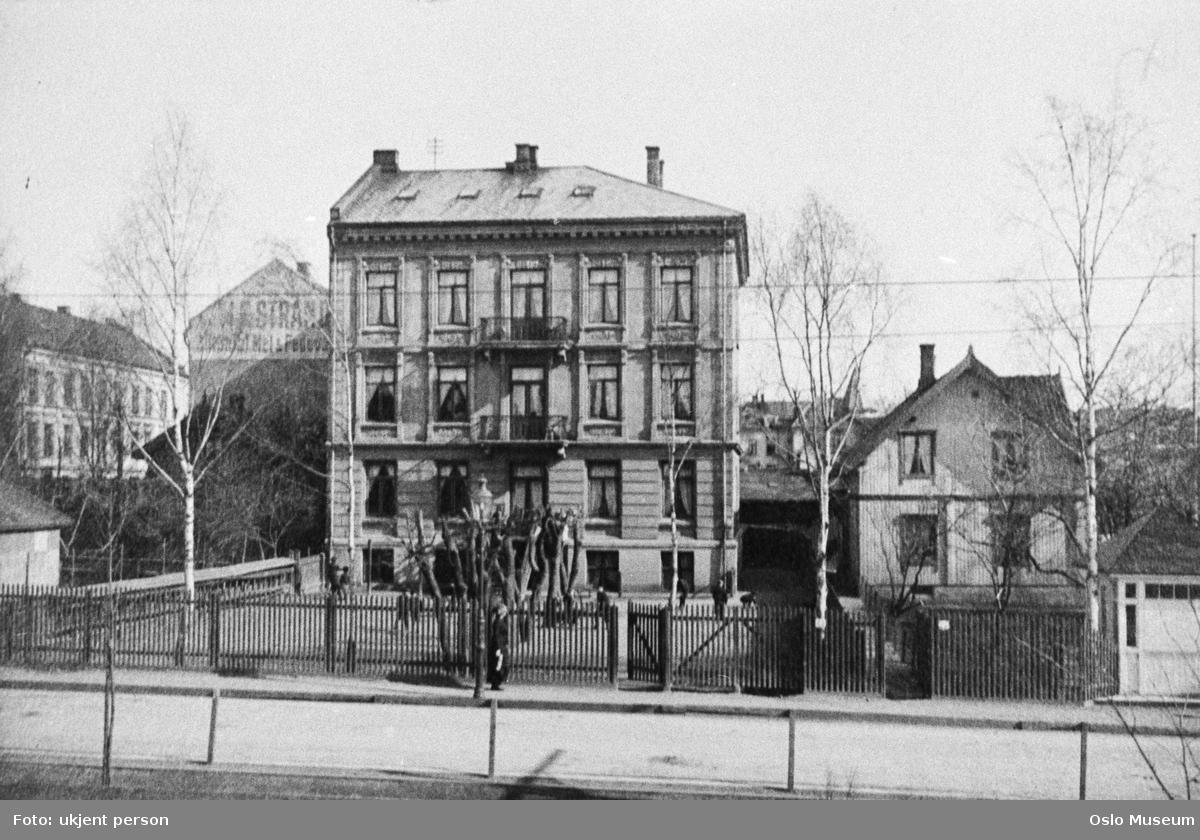 Guttehjemmet August Herman Francke, gjerde, hage, bygård, trehus