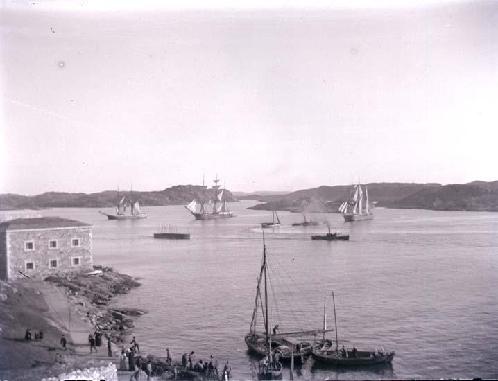 Fartygstrafik vid Marstrand.