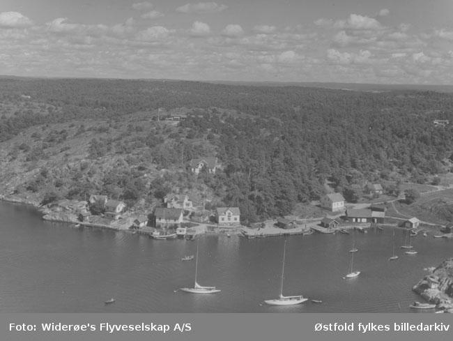 Bølingshavn på Kirkeøy, Hvaler, flyfoto fra august 1957.