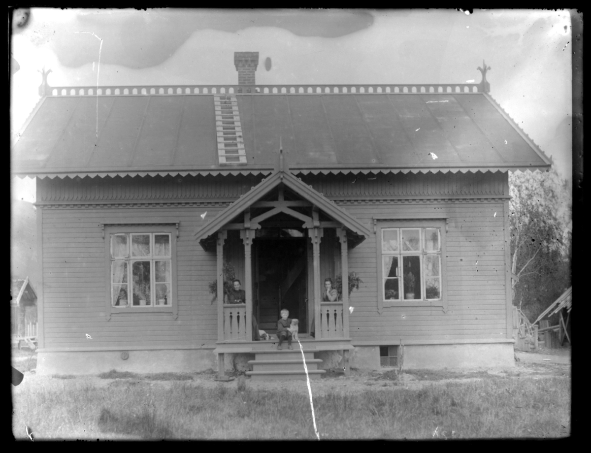 Lensmann Strands gård, Fredenslund, Bonakas, i Tana