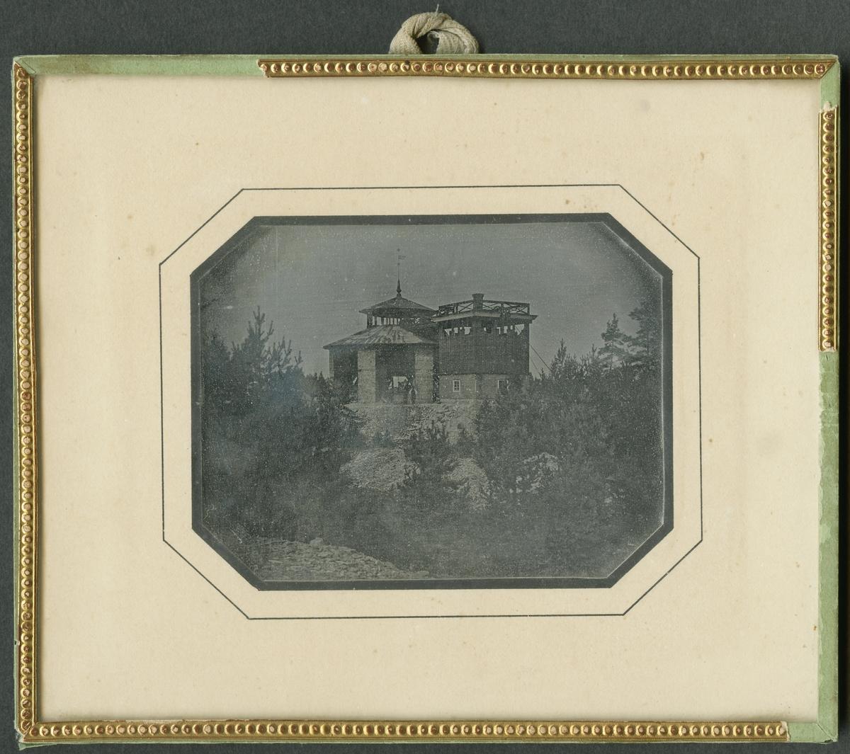 Daguerreotyp. Laven över Carl XI:s schakt från söder. Bilden tagen före tillkomsten av ångmaskinhuset. Fotograf är troligen Wilhelm Heinemann.