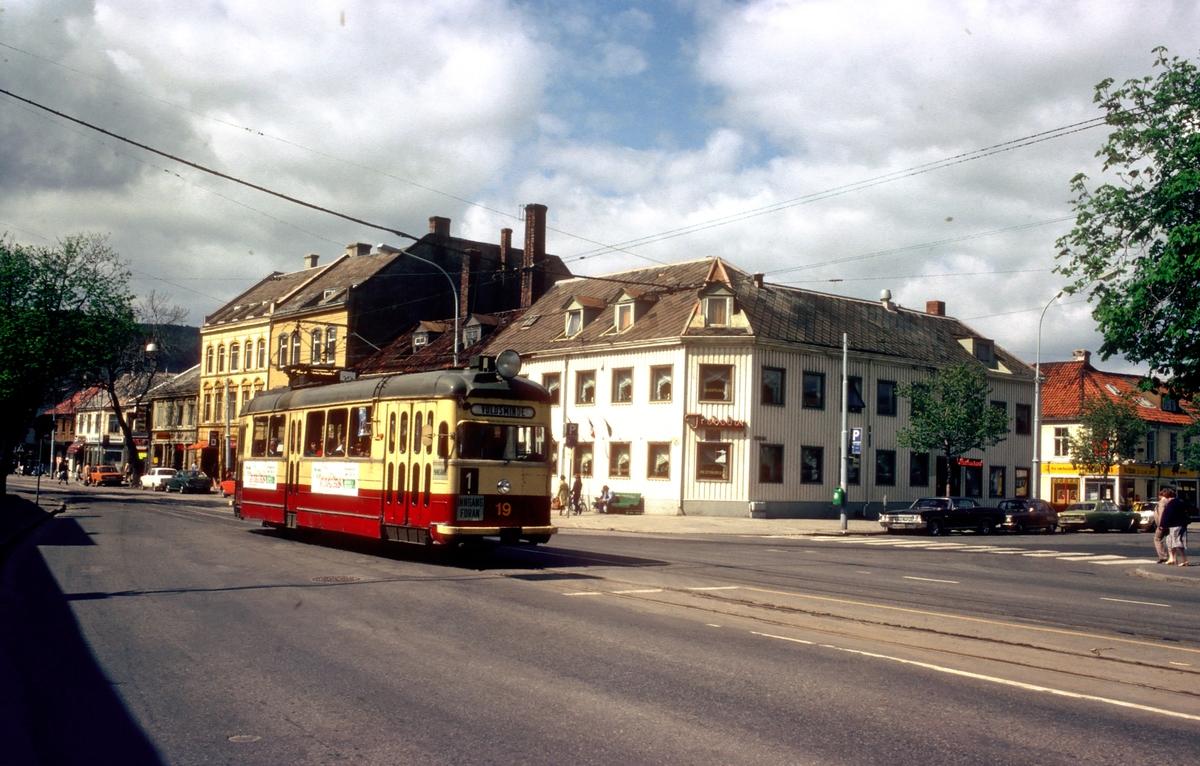 Trondheim trafikkselskap vogn 19 på vei mot Voldsminde på linje 1 fra Lian.