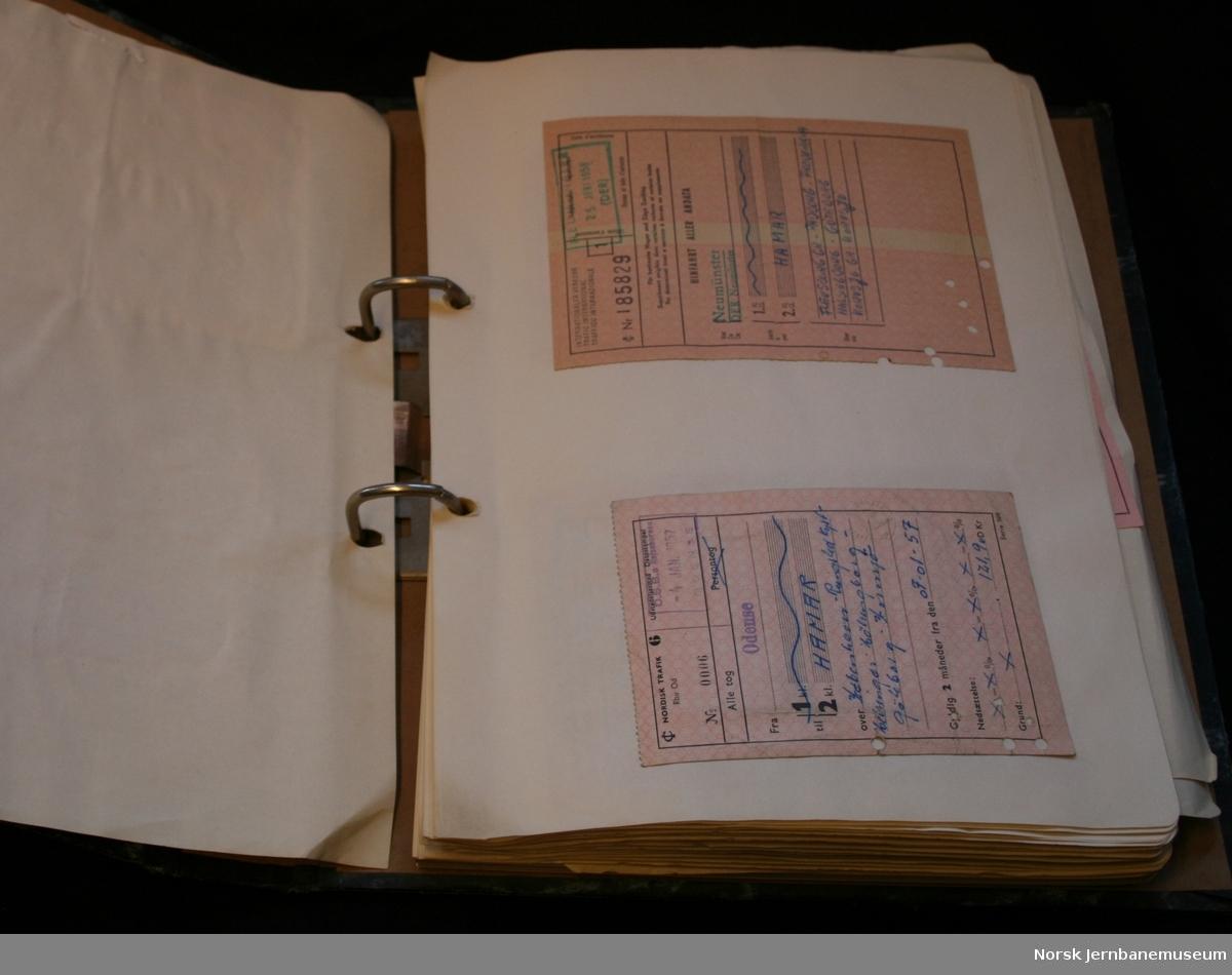 Billettsamling etter overkonduktør Iver Strickert, f 1919. Norske og noen utenlandske billetter.