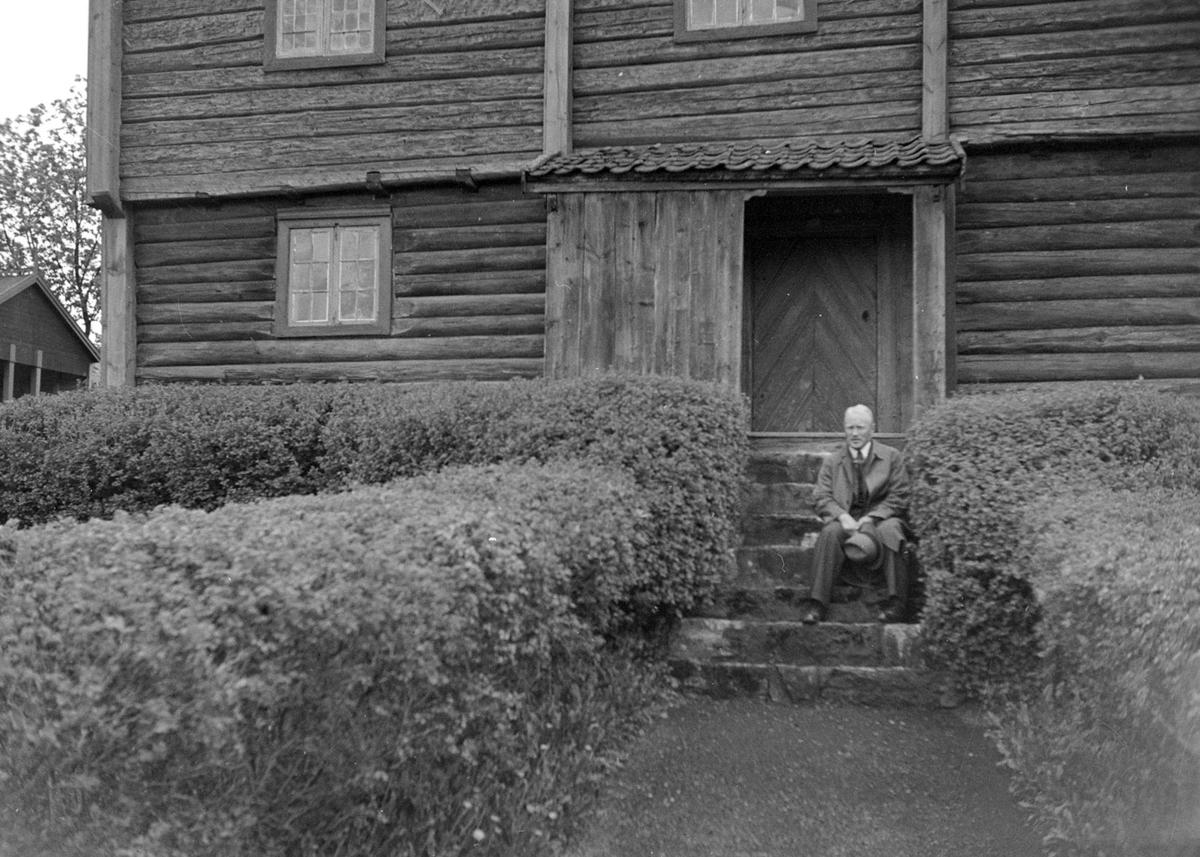 Skøien gård, Løten. Skøienbygningen gjenreist på Hedmarksmuseet 1922. Kjeld Reistad