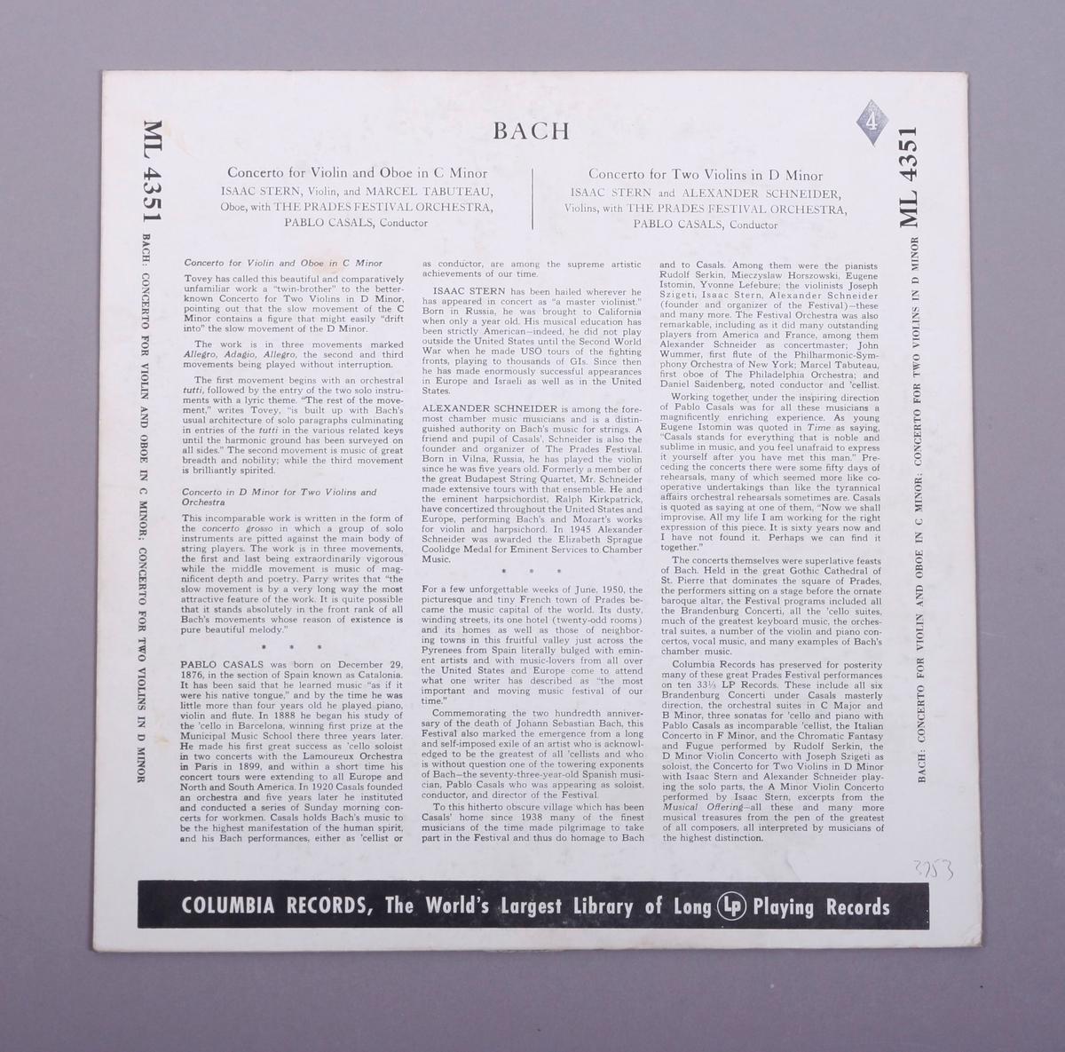 Grammofonplate i svart vinyl og plateomslag i papp.