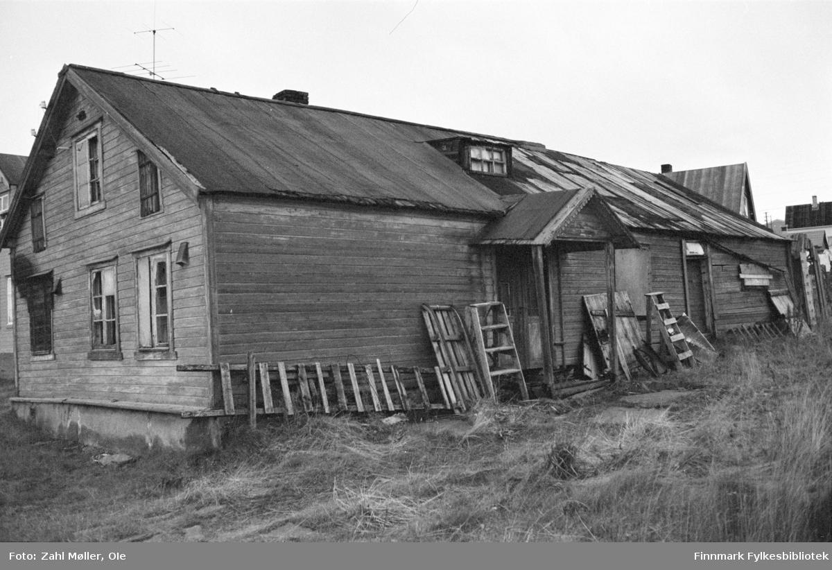 Vadsø, oktober 1969. Gamle hus.
