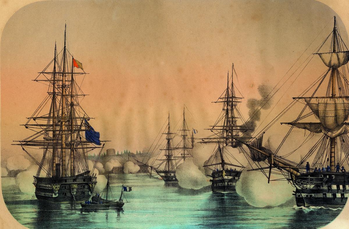 Slagscene, krigsskip angriper en kystfestning. Engelske og franske krigsskip skyter mot den russiske festningen Bomarsund på Ålandsøyene. Festningen var påbegynt 1832 og var enda ikke ferdig i 1854. Festningen var en russisk utpost, og for England et symbol på russisk ekspensjon. Den ble derfor et hovedmål for den allierte flåten som angrep fra sjøen, mens franske landtropper ble satt i land og angrep fra landsiden.