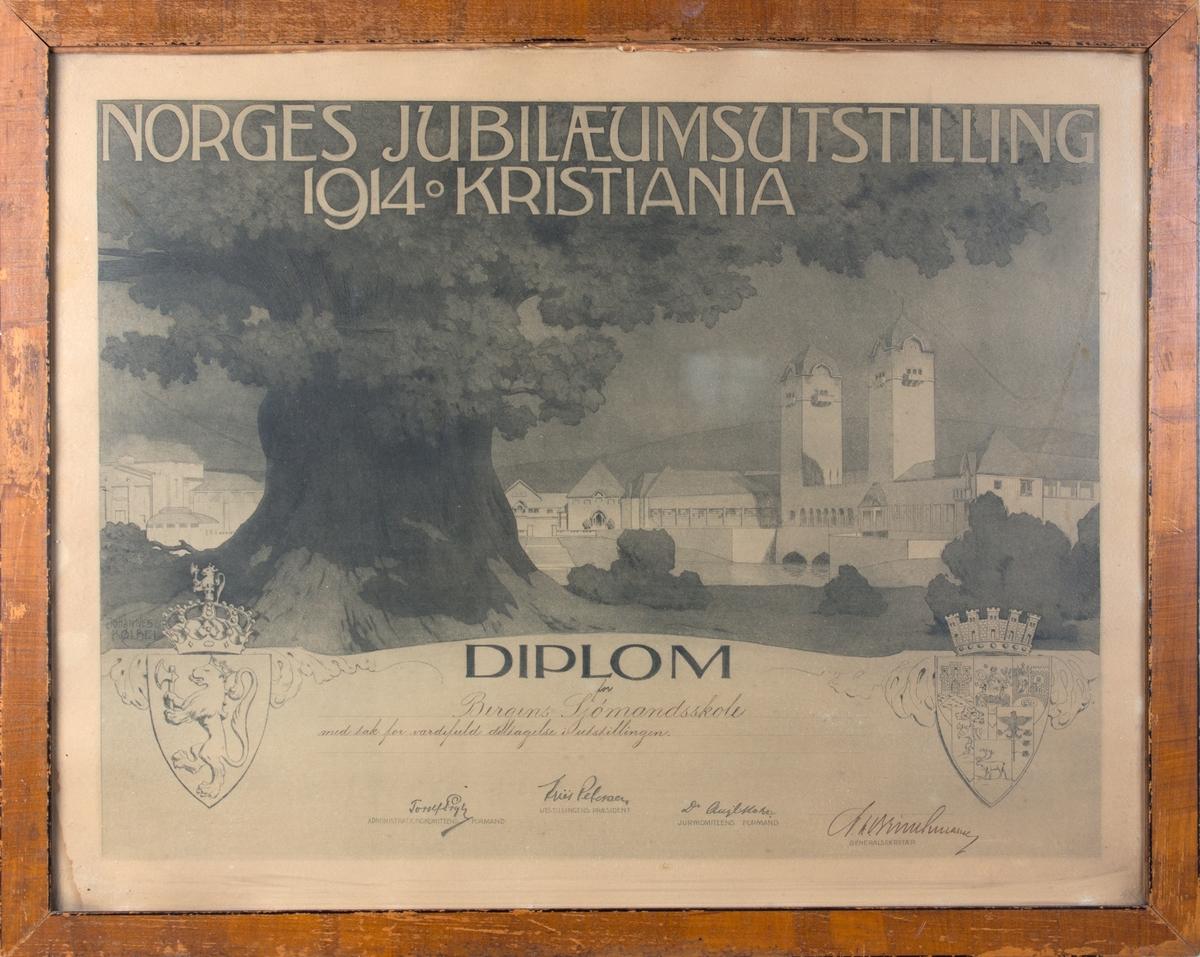 Trykket diplom fra Norges Jubilæumsutstilling i 1914. Stort eiketre i forgrunnen, utstillingspaviljongen i Frognerparken i bakgrunnen. Til venstre i motivet riksvåpenet, til høyre et våpen som blant annet inneholder Oslo/Kristianias byvåpen.